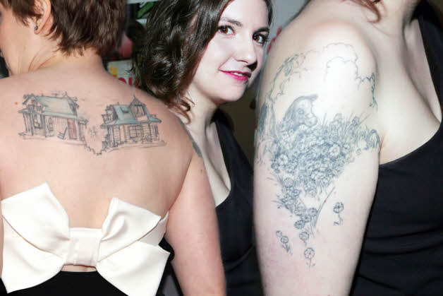 Lena Dunham Tattoos | CelebritiesTattooed.com - 31.1KB