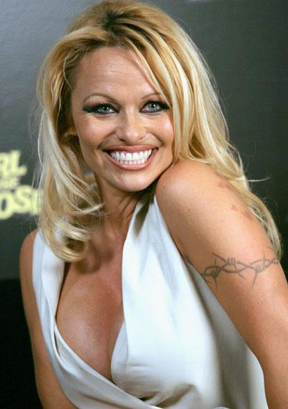 370972f4a7f24 Pamela Anderson tattoos – Celebrities Tattooed